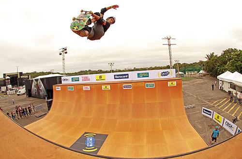 Sandro Dias, campeão do Copa Brasil de Skate Vertical em Salvador (Divulgação)