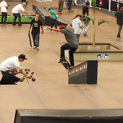 Paulo Galera, flip k grind (foto: Sidney Arakaki)