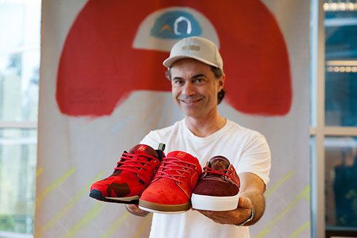 Pierre André Senizergues apresenta os limitados éS footwear (foto: Blair Alley/TWS)