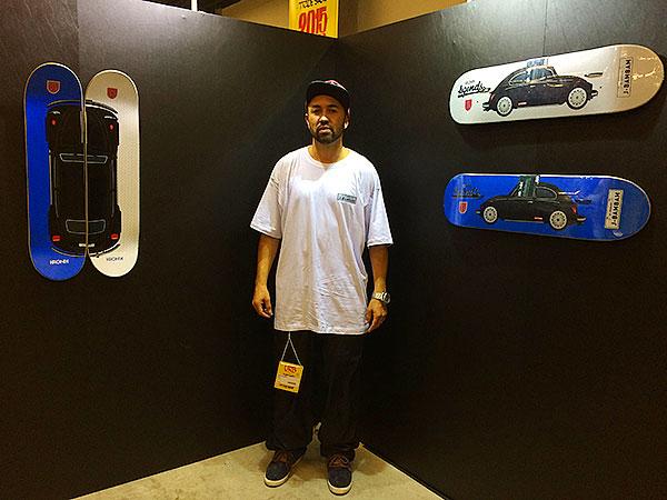 James Bambam foi homenageado pela Kronik e ganhou duas versões de pro-model. Os dois gráficos tem seu potente Fuscão preto como tema. (foto: Sidney Arakaki)