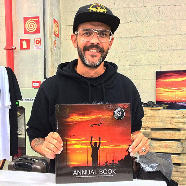 E o fotógrafo Heverton Ribeiro lançou mais uma edição anual do seu livro Cold Skateboard. (foto: Sidney Arakaki)