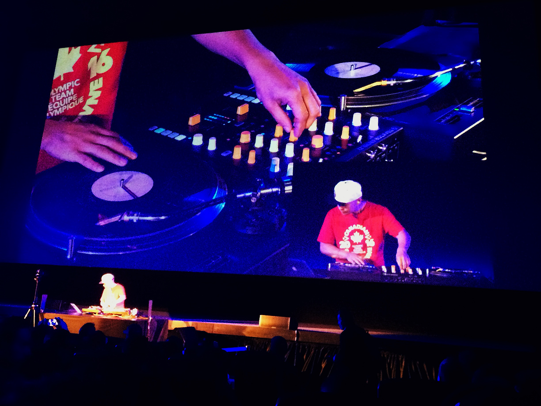 DJ Q-Bert na abertura da Mostra de Filmes Hip Hop, no CineSESC. (Sidney Arakaki)