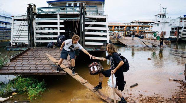 Skateando através do Rio Amazonas